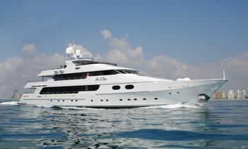 M/Y 'Top Five' Open for Bahamas Charters in June