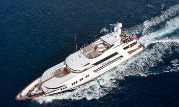 Charter Yacht ROCKSTAR to Undergo Repairs after Drawbridge Damage