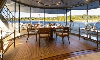 M/Y 'Blue Moon' Available for Christmas
