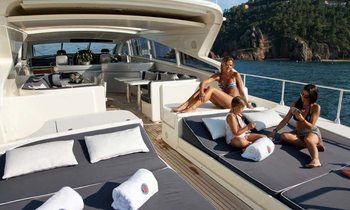 No delivery fees on Greek charter aboard M/Y 'Romachris II'