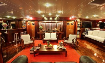 S/Y 'Douce France' Offers Fiji Charters