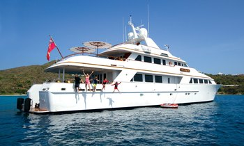 Book now for the holidays: A Caribbean yacht charter with M/Y 'Lady J' in St. Lucia