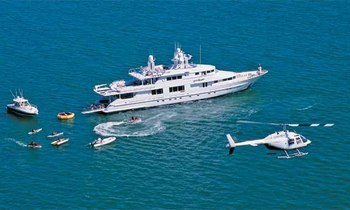 M/Y STARSHIP Available a for Christmas Charter