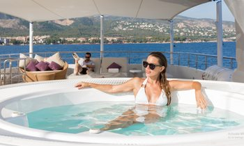 Charter Feadship M/Y GO for less in the Mediterranean