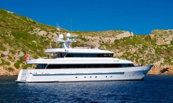 Charter yacht ALCOR Available in August