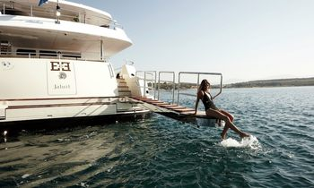 M/Y 'E & E' Offers Special Charter Rate This August