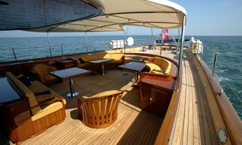 S/Y 'ANDROMEDA LA DEA' Available for Christmas & New Years