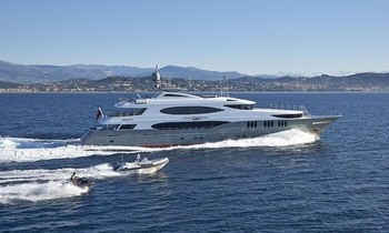 M/Y 'Zoom Zoom Zoom' Offers Bahamas Charters