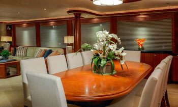 Motor Yacht 'CHASING DAYLIGHT' Available at Christmas in Bahamas
