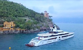 VIDEO: Superyacht 'Lady S' enjoys the waters of Portofino