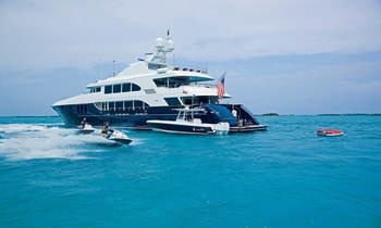 M/Y COCKTAILS Lowers Weekly Rate for 2016