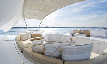 M/Y INCOGNITO Offers Thanksgiving Deal