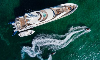 M/Y W Drops Rate by $10,000 in the Bahamas