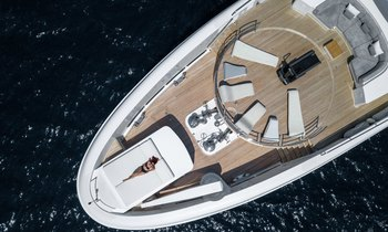 Escape to the Maldives on board M/Y MYSKY