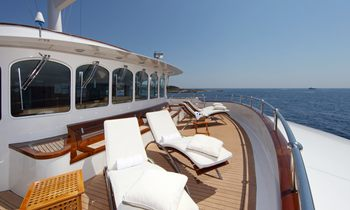 Charter M/Y SHERAKHAN For Charity This Winter