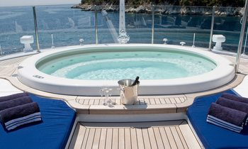 MEAMINA Available to Charter in Greece in July