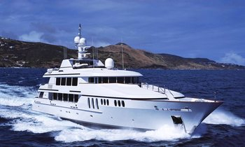 Thanksgiving charter special: Save 10% on board M/Y CLAIRE