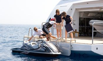 M/Y MEAMINA Offers 25% Reduction