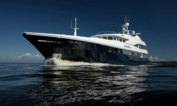Charter Yacht LATITUDE in the Mediterranean