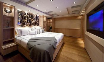 Superyacht 'APACHE II' Offers Special Discount