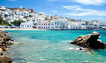 Luxury Yachts Available in Greece This Summer