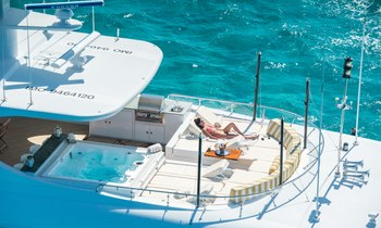 M/Y 'Amarula Sun' Opens for New Year's in the Bahamas