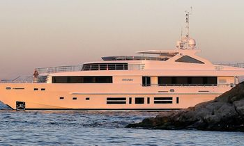 Motor Yacht Indiana For Charter