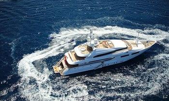 Greece yacht charter deal: superyacht 'Magenta M' offers discount