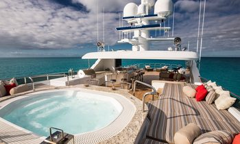 M/Y 'Remember When' Opens for the Holidays