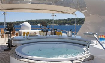 Greece yacht charter discount: save with M/Y 'Lady Ellen II'