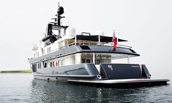 M/Y RH3 Offers Special Deal For The Holidays