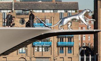 M/Y KISMET Unveils Beautiful Silver Jaguar