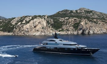 M/Y SLIPSTREAM Aquires New Inflatables