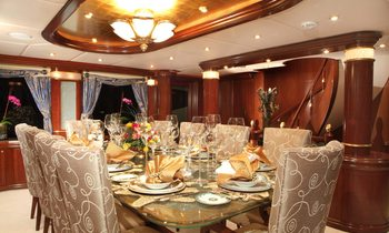 M/Y 'ZOOM ZOOM ZOOM' Available to Charter