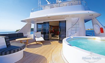 M/Y 'Endless Summer' Offers Last Minute Deal In Greece