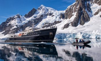 Explorer yacht LEGEND offers incredible Arctic skiing experience with Olympic gold medallist