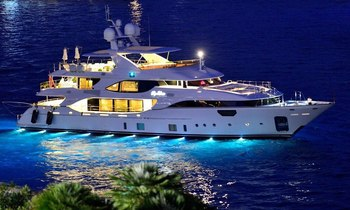 42m Benetti yacht SOY AMOR offers Mediterranean charter discount