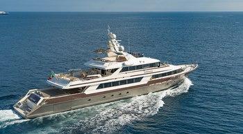 Last-minute availability to charter 46m CLOUD ATLAS on the Amalfi Coast