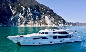 Superyacht Alalya: New to the fleet for yacht charters around Croatia