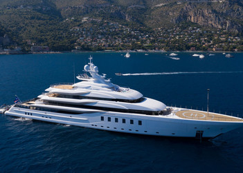 Madsummer yacht for charter