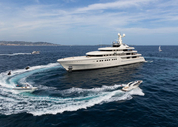 Romea yacht for charter