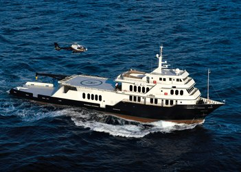 Global yacht charter in Great Barrier Reef