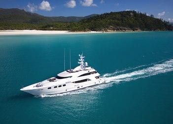 De Lisle III yacht charter in New Caledonia