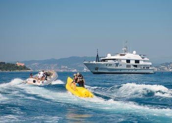 Idol yacht charter in Antibes