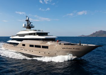 Solo yacht charter in Mediterranean