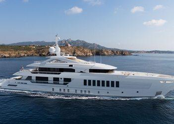 Moskito yacht charter in The Balearics