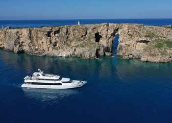 Carmen Fontana yacht charter in Crete