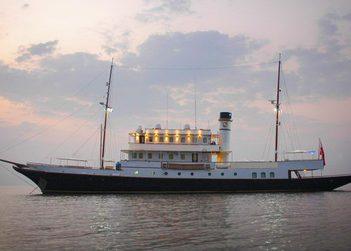 Kalizma yacht charter in Sri Lanka
