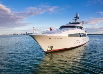 Usher yacht charter in Saba