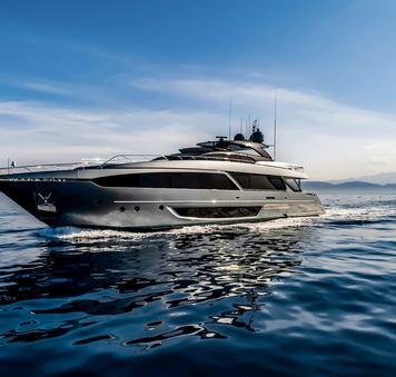Brand new 34m motor yacht FIGURATI joins charter fleet in the Mediterranean